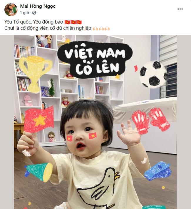 Sao Việt nô nức cổ vũ đội tuyển Việt Nam: Nhà ai cũng khoe cờ đỏ sao vàng rực rỡ, con gái Đông Nhi cực phấn khích - Ảnh 5.