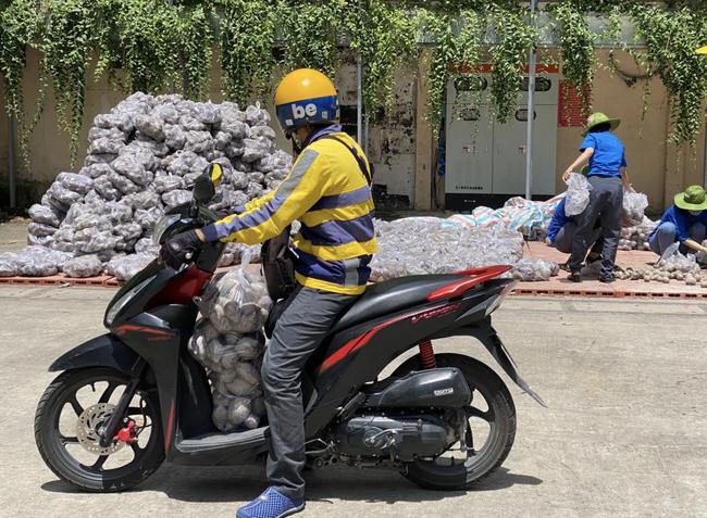 Hãng xe công nghệ Việt ủng hộ 5 tỷ đồng và kêu gọi tài xế góp tiền vào Quỹ vaccine phòng chống COVID-19 - Ảnh 2.