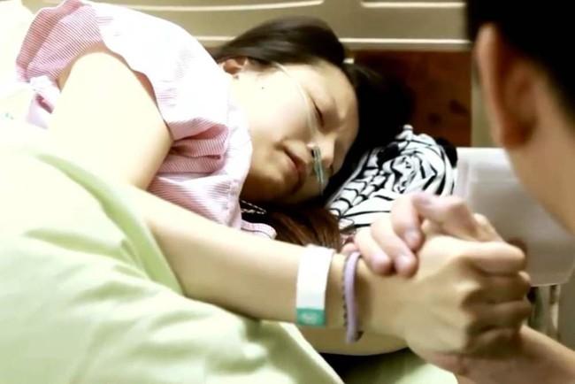 Ăn vải quá nhiều trong thai kỳ, người mẹ đau đớn mất con gần sát ngày dự sinh - Ảnh 1.