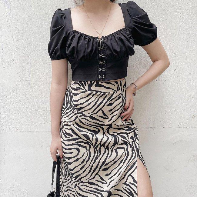 Chân váy có thêm chi tiết này thì nàng 1m55 trông như 1m65, cặp chân được kéo dài tít tắp - Ảnh 6.