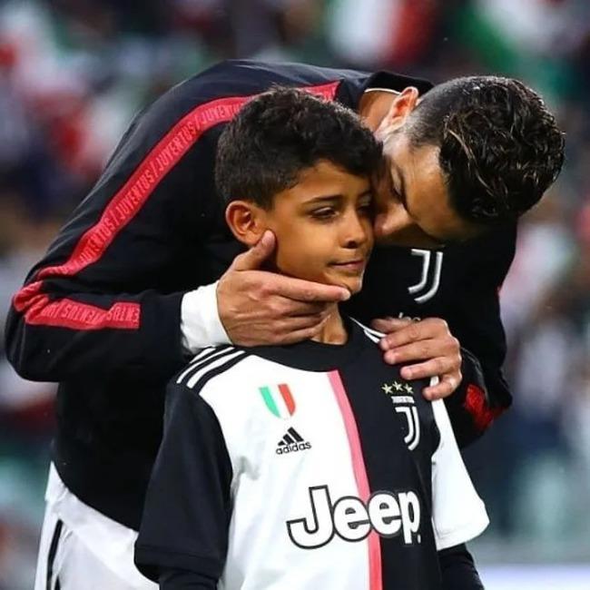 """Bạn thân võ sĩ tiết lộ """"nỗi ám ảnh"""" lớn nhất của Ronaldo về cậu quý tử 10 tuổi sinh ra đã ở vạch đích, thừa hưởng gen nhà nòi - Ảnh 3."""