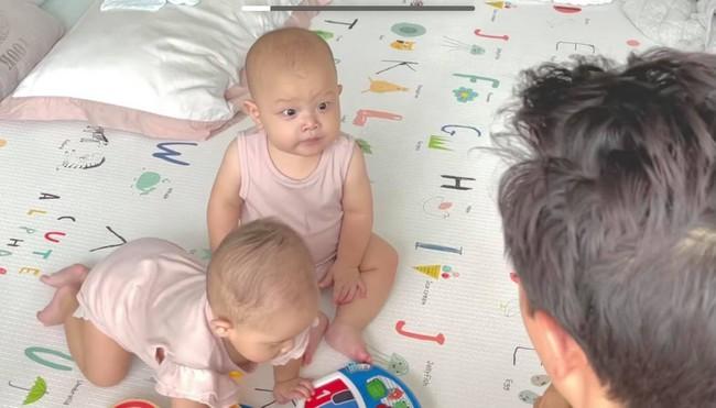 Kim Lý làm thầy giáo dạy 2 con nhưng nhìn học trò Leon và Lisa mà bật cười - Ảnh 3.