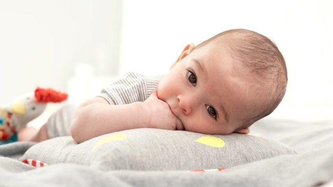 Thực hư chuyện cắt tóc máu cho trẻ sơ sinh có tốt như các mẹ vẫn nghĩ? - Ảnh 3.