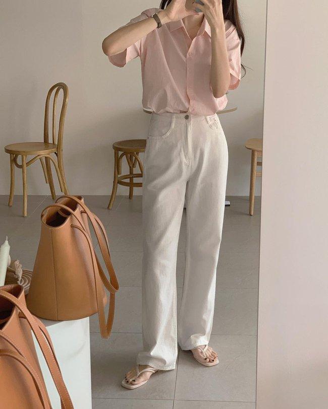Hè diện quần trắng cho mát nhưng để sành điệu không chê được điểm nào, bạn nên ghim 12 cách mặc của gái Hàn - Ảnh 8.