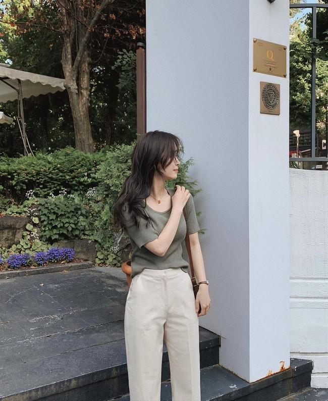 Hè diện quần trắng cho mát nhưng để sành điệu không chê được điểm nào, bạn nên ghim 12 cách mặc của gái Hàn - Ảnh 9.