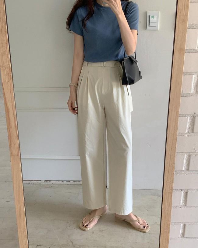 Hè diện quần trắng cho mát nhưng để sành điệu không chê được điểm nào, bạn nên ghim 12 cách mặc của gái Hàn - Ảnh 11.