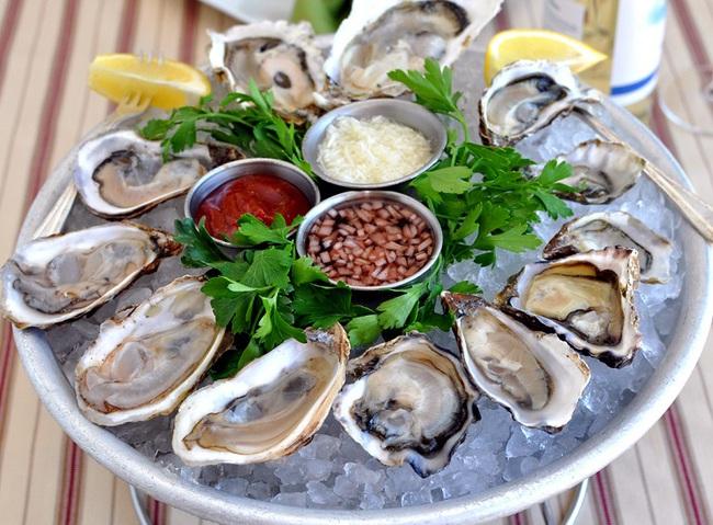 Chỉ làm duy nhất việc này trước khi ăn tôm và người đàn ông tử vong: Chuyên gia cảnh báo nguy cơ khi ăn hải sản có vỏ! - Ảnh 5.