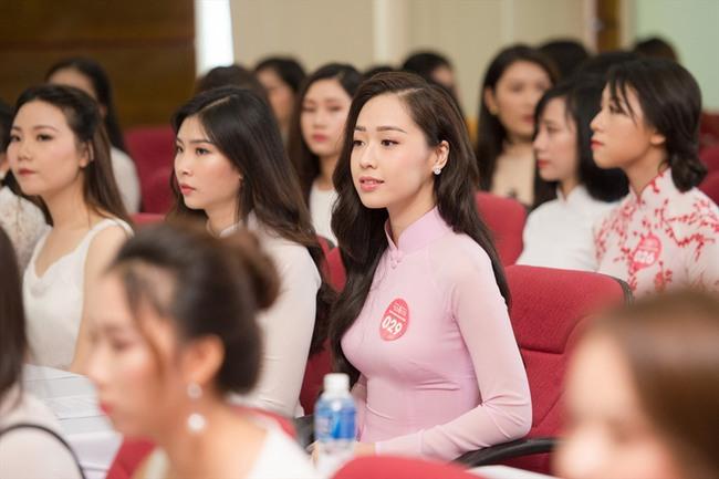 """Ngắm loạt ảnh thời dự thi Hoa hậu Việt Nam của mỹ nhân được CEO cầu hôn trên máy bay: Body gợi cảm """"hút mắt"""" hơn cả nhan sắc - Ảnh 7."""