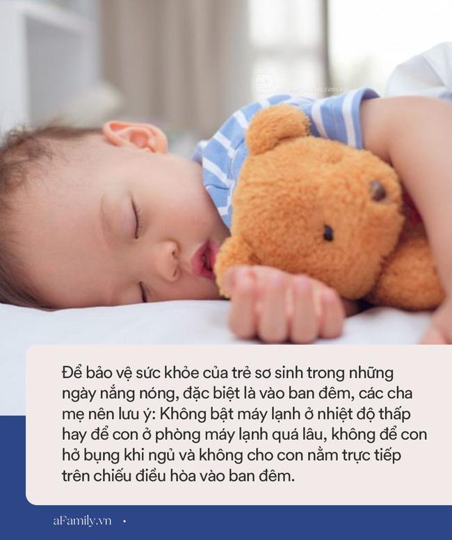 Dù trời nóng thế nào thì vào ban đêm, bố mẹ cũng không được làm những việc này để tránh con bị cảm lạnh - Ảnh 4.