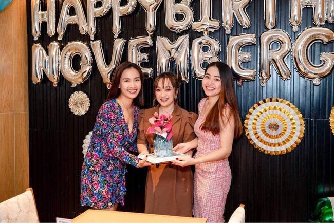 Chiếc bánh sinh nhật của Subeo nhà Hà Hồ khiến cõi mạng trầm trồ, tác giả chia sẻ công thức ở đây - Ảnh 22.