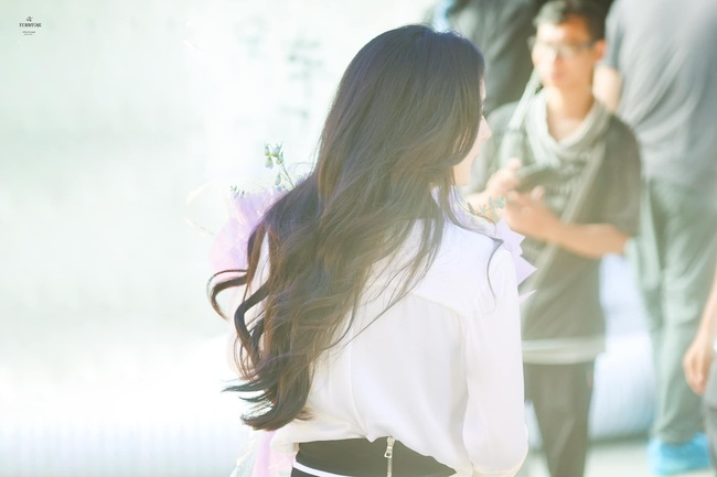 Dương Mịch đẹp mê mẩn đi đóng máy phim, góc nghiêng chụp vội mà xinh đến mức không tin được đã 34 tuổi - Ảnh 9.