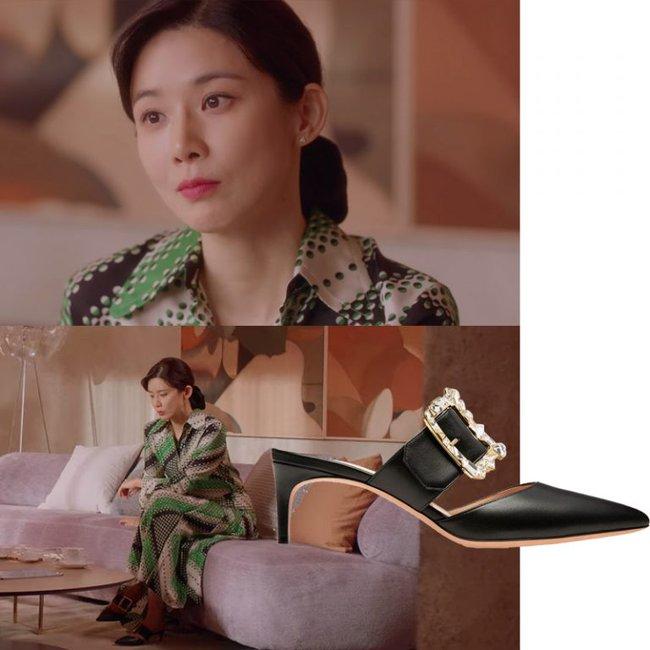 Kiểu giày gót thấp thoáng chân, siêu hack dáng đang hot từ trong phim Hàn ra ngoài đời - Ảnh 4.
