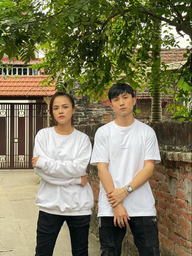 Hương vị tình thân: Lộ clip ảnh cưới không có trên phim của Thu Quỳnh - Hoàng Anh Vũ khiến fan muốn đẩy thuyền từ phim ra đời - Ảnh 3.