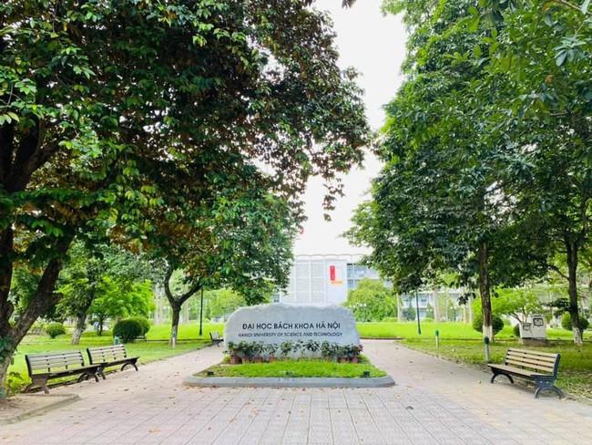 Trường đại học đầu tiên của Hà Nội cho phép sinh viên quay lại trường - Ảnh 1.