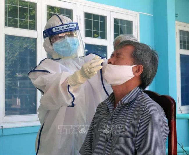 Phú Yên và Gia Lai ghi nhận các trường hợp dương tính với SARS-CoV-2 - Ảnh 2.