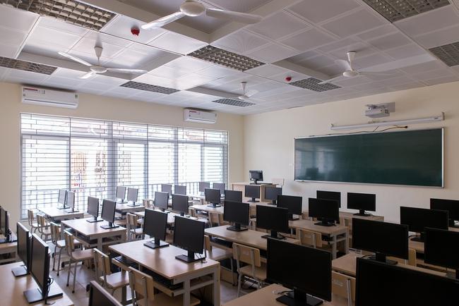 Một trường cấp 2 có đến 23 học sinh đỗ THPT chuyên Khoa học tự nhiên, trong đó có hai thủ khoa, nhiều em cao hơn điểm chuẩn tới 11 điểm - Ảnh 4.