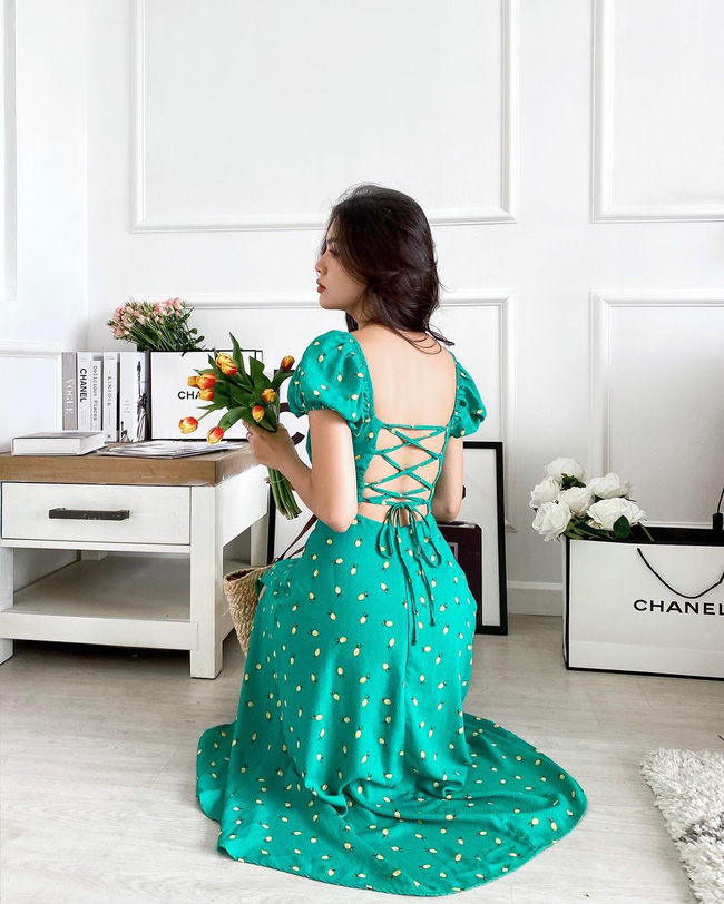 Mẫu váy diện lên tưởng kín đáo nhưng khi quay lưng lại sexy, sang chảnh khiến người ta trầm trồ - Ảnh 11.