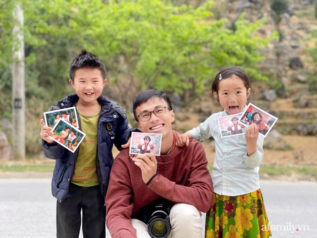 Những bức ảnh hồn nhiên của trẻ em vùng cao khiến cả triệu trái tim thổn thức và câu chuyện truyền cảm hứng từ chàng trai xứ Quảng - Ảnh 10.