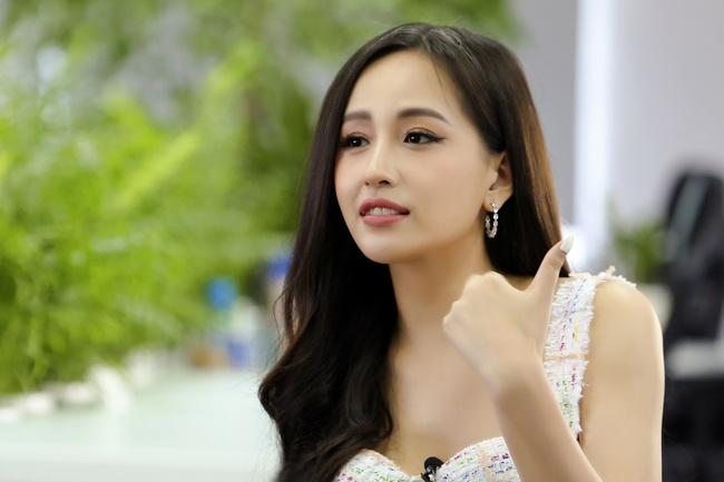 """Có 1 Hoa hậu Việt Nam từng bị chỉ trích """"lên bờ xuống ruộng"""" vì ăn mặc phản cảm nhưng riêng học vấn thì không chê nổi điểm nào - Ảnh 1."""