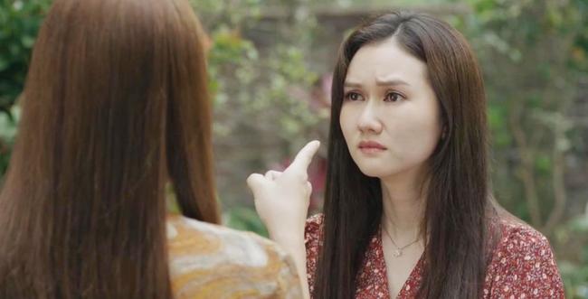 """Mùa hoa tìm lại: Lệ vạch mặt Tuyết, vừa tát vừa chửi xong còn """"unfriend"""" facebook, nào ngờ Tuyết đổ hết tội cho mẹ Việt - Ảnh 6."""