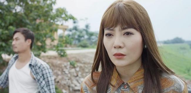 """Mùa hoa tìm lại: Lệ vạch mặt Tuyết, vừa tát vừa chửi xong còn """"unfriend"""" facebook, nào ngờ Tuyết đổ hết tội cho mẹ Việt - Ảnh 1."""