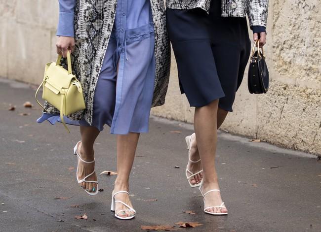 Sandals/ giày dép mùa hè: Có 3 kiểu chị em cần cân nhắc  - Ảnh 3.