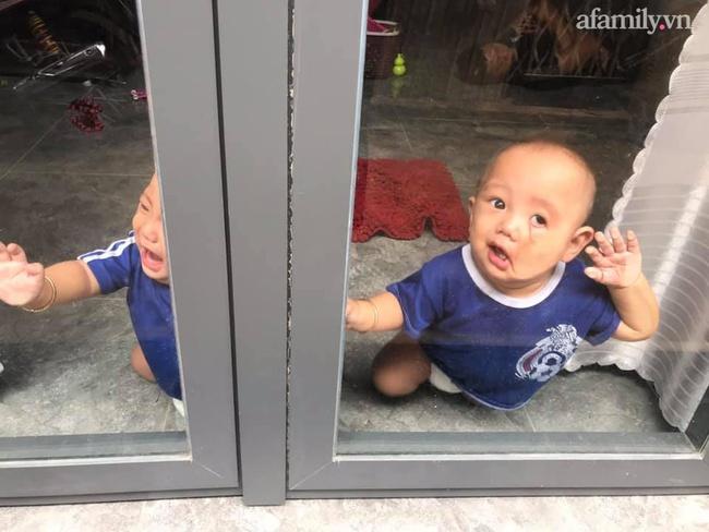 """Nhờ chồng trông con để ra ngoài, mẹ trẻ quay về thấy 2 bé khóc ầm ĩ ở cửa, nhìn vào trong nhà thì """"hạn hán lời"""" - Ảnh 3."""
