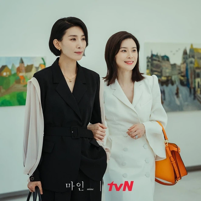 2 nữ chính tóc ngắn đỉnh nhất phim Hàn: Chất từ mái tóc đến gu thời trang, có người còn tạo trend tận 6 năm trời - Ảnh 4.