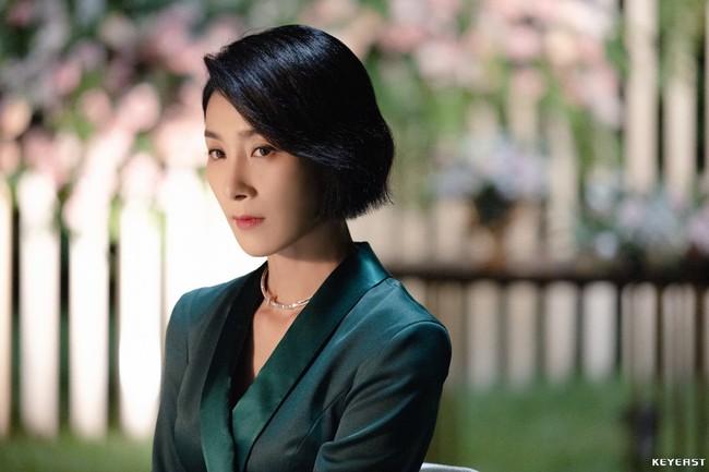 2 nữ chính tóc ngắn đỉnh nhất phim Hàn: Chất từ mái tóc đến gu thời trang, có người còn tạo trend tận 6 năm trời - Ảnh 5.