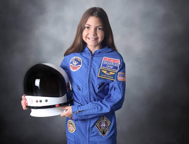 Alyssa Carson: Cô bé 3 tuổi ôm mộng lên sao Hỏa năm nào, chỉ 17 năm sau đã sắp trở thành người trẻ tuổi nhất đặt chân lên vì sao mơ ước - Ảnh 4.