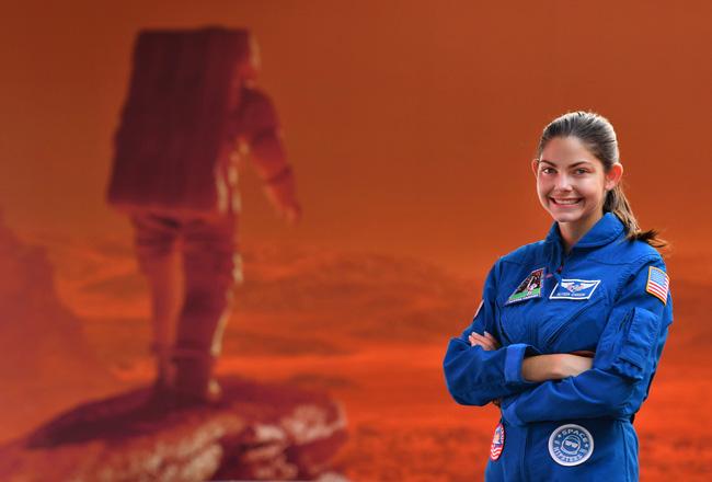 Alyssa Carson: Cô bé 3 tuổi ôm mộng lên sao Hỏa năm nào, chỉ 17 năm sau đã sắp trở thành người trẻ tuổi nhất đặt chân lên vì sao mơ ước - Ảnh 9.