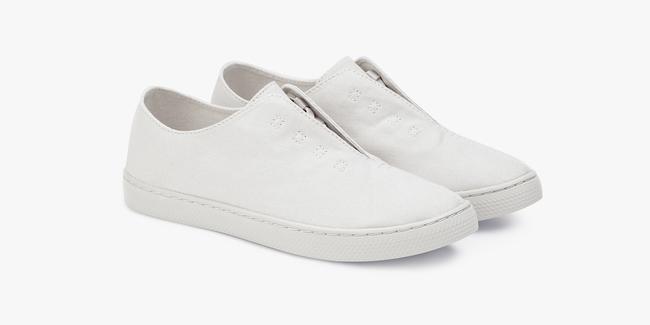 """8 đôi sneakers trắng """"made in Vietnam"""" chuẩn thời thượng, kết hợp được với mọi kiểu đồ và giá chỉ từ 350k - Ảnh 3."""