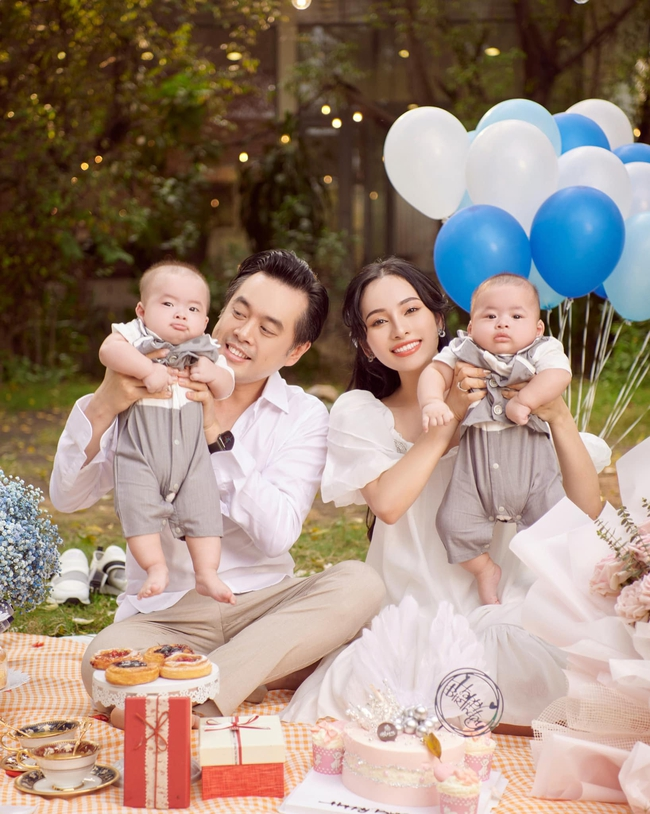 """Được bác sĩ chọn ngày """"yêu"""" giúp, vợ chồng nhạc sĩ Dương Khắc Linh chỉ việc tiến hành theo, đậu luôn thai đôi  - Ảnh 1."""
