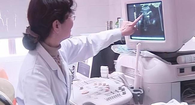 """Bác sĩ chẩn đoán """"bào thai hải cẩu"""", khuyên nên bỏ nhưng người mẹ kiên quyết sinh con, đứa trẻ sau này khiến ai cũng bất ngờ - Ảnh 2."""