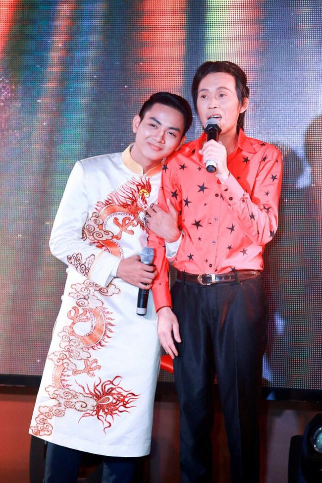 Hoài Lâm và Hồ Văn Cường - hai người con nuôi của Hoài Linh và Phi Nhung: Tưởng không liên quan mà có nhiều điểm trùng hợp đến bất ngờ - Ảnh 4.