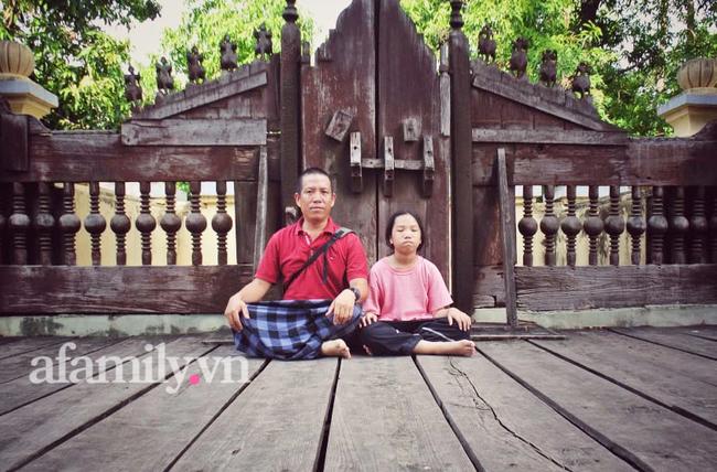"""Ông bố đưa con """"đi bụi"""" từ nhỏ: 7 tuổi con biết đi xe máy, 12 tuổi phượt Myanmar, bắn tiếng Anh tằng tằng và bí quyết gia đình chung nhịp thở - Ảnh 2."""