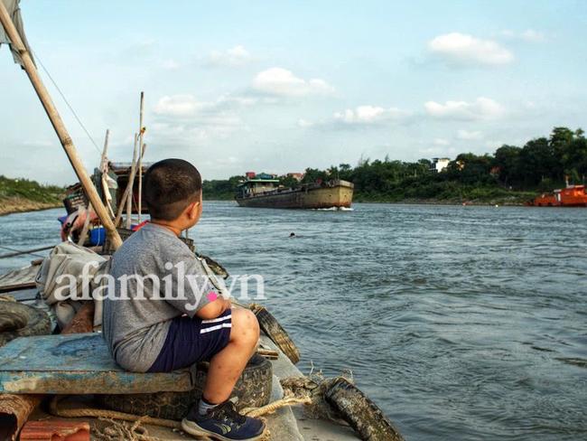 """Ông bố đưa con """"đi bụi"""" từ nhỏ: 7 tuổi con biết đi xe máy, 12 tuổi phượt Myanmar, bắn tiếng Anh tằng tằng và bí quyết gia đình chung nhịp thở - Ảnh 6."""