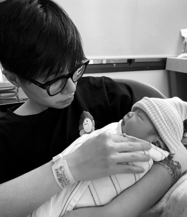Con gái mới tròn 3 tháng tuổi, người yêu đồng giới của An Nguy đã vô cùng lo lắng vì một điều - Ảnh 1.