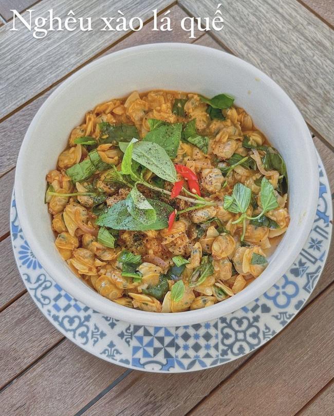 """Đảm đang và khéo léo như Lan Khuê, đến bát đĩa cũng phải """"tông xuyệt tông"""" với món ăn mới chịu - Ảnh 4."""