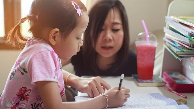 Đằng sau mỗi đứa trẻ tự giác là một người mẹ biết chờ đợi, nghe đơn giản nhưng không phải ai cũng làm được - Ảnh 2.