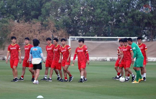 """Tuấn Anh, Văn Toàn """"tươi như hoa"""" tập luyện sẵn sàng quyết đấu Malaysia  - Ảnh 3."""
