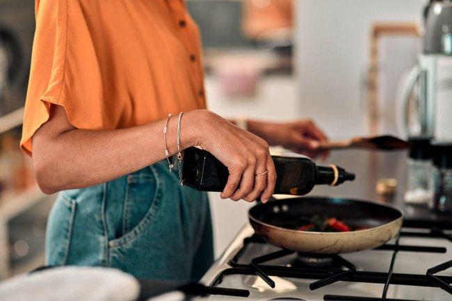 Top 4 loại dầu ăn tốt cho sức khỏe được khuyên dùng - Ảnh 1.