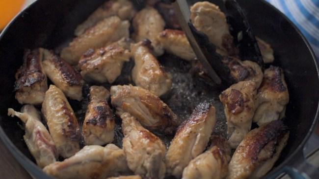 Cánh gà sốt mật ong món ăn đã miệng cả ăn cơm lẫn nhậu đều hợp - Ảnh 7.