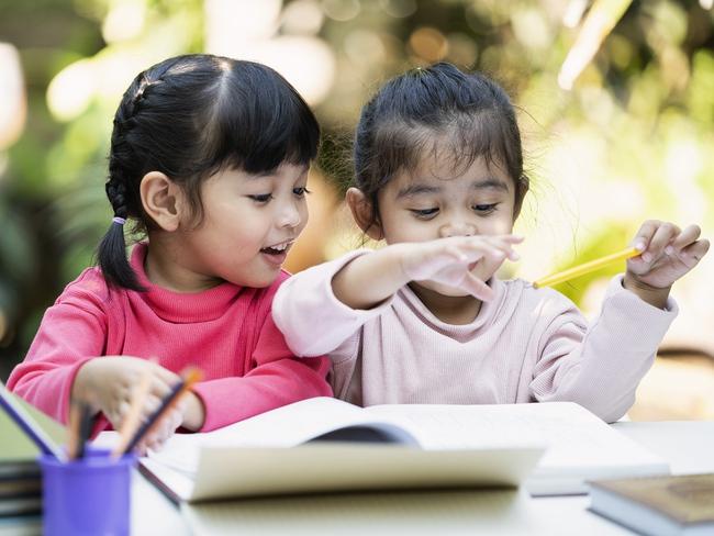 """Từ vụ em bé ở Thái Bình bị """"cô giáo"""" nhét giẻ vào miệng: Làm ơn đừng cứ nuôi dạy trẻ thì gọi là giáo viên mầm non! - Ảnh 2."""