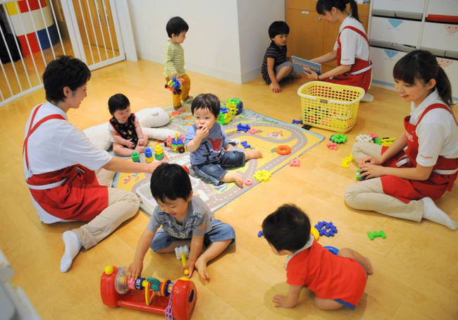 """Từ vụ em bé ở Thái Bình bị """"cô giáo"""" nhét giẻ vào miệng: Làm ơn đừng cứ nuôi dạy trẻ thì gọi là giáo viên mầm non! - Ảnh 3."""