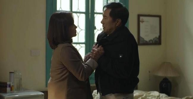 Hãy nói lời yêu tập 26: Bà Hoài bán nhà cho ông Tín, tát chồng lật mặt vì có ý định chết theo con trai - Ảnh 2.