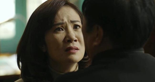 Hãy nói lời yêu tập 26: Bà Hoài bán nhà cho ông Tín, tát chồng lật mặt vì có ý định chết theo con trai - Ảnh 3.
