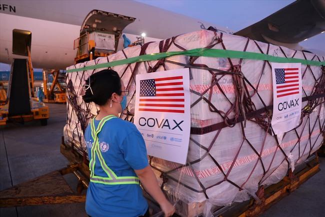 2 triệu liều vaccine Moderna của Mỹ tặng đã về đến Việt Nam - Ảnh 1.