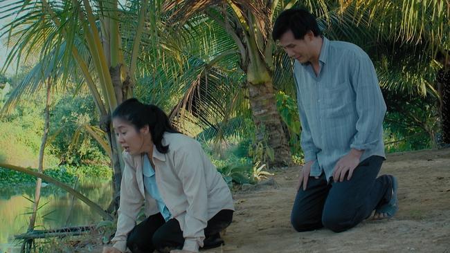Thương con cá Rô đồng: Vừa nhận lời đẻ mướn, Thương (Lê Phương) đã chết đứng vì em gái ngủ với người yêu - Ảnh 5.