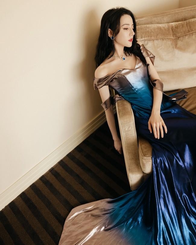 Lộ lý do Địch Lệ Nhiệt Ba không đi show dù được săn đón, nhìn ảnh mặc váy đuôi cá netizen phải kêu lên quá đẹp - Ảnh 4.
